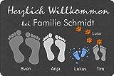 Fußmatte Füße | Pfoten Teppich mit Vor- & Familien Namen grau anthrazit | Geschenk | Hund | Katze...